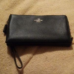Coach long wallet NWOT